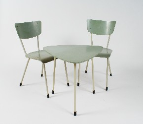 Set chairs with table
