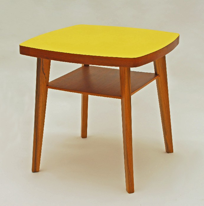table basse jaune moutarde. Black Bedroom Furniture Sets. Home Design Ideas