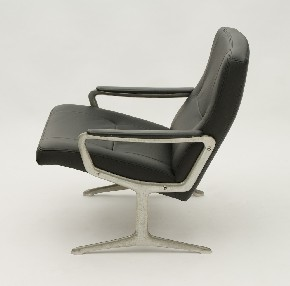 Leather chair G.Harcourt